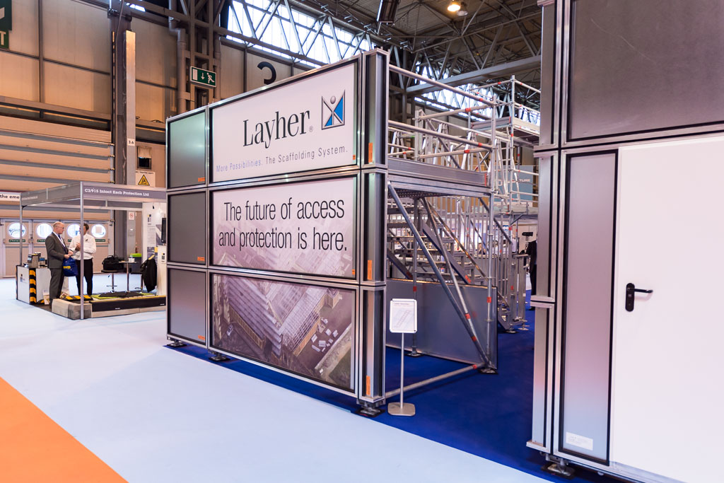 Layher protect panel system - integrated hoarding system