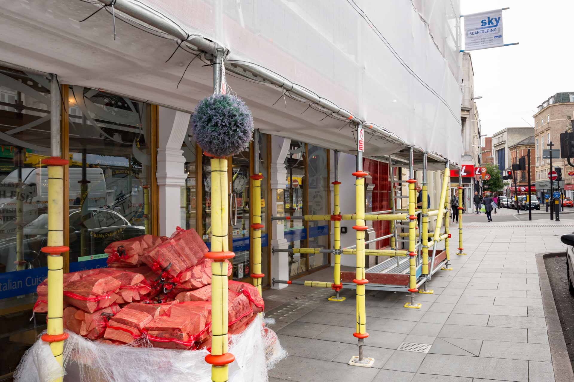 Pavement protection on a Leicester City shopfront