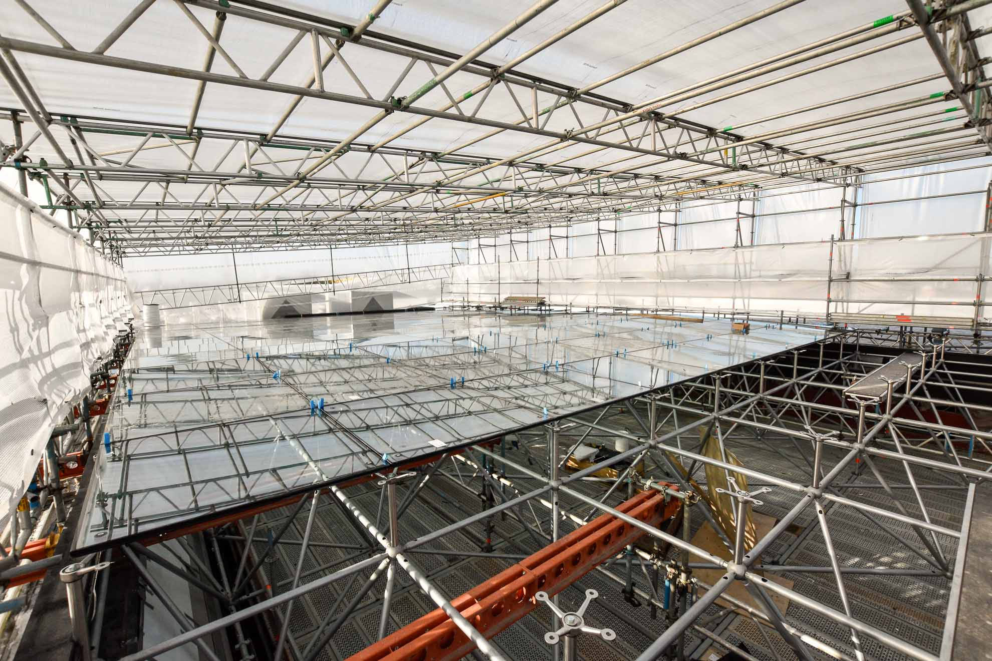 Porsche temporary roof and access scaffolding solution